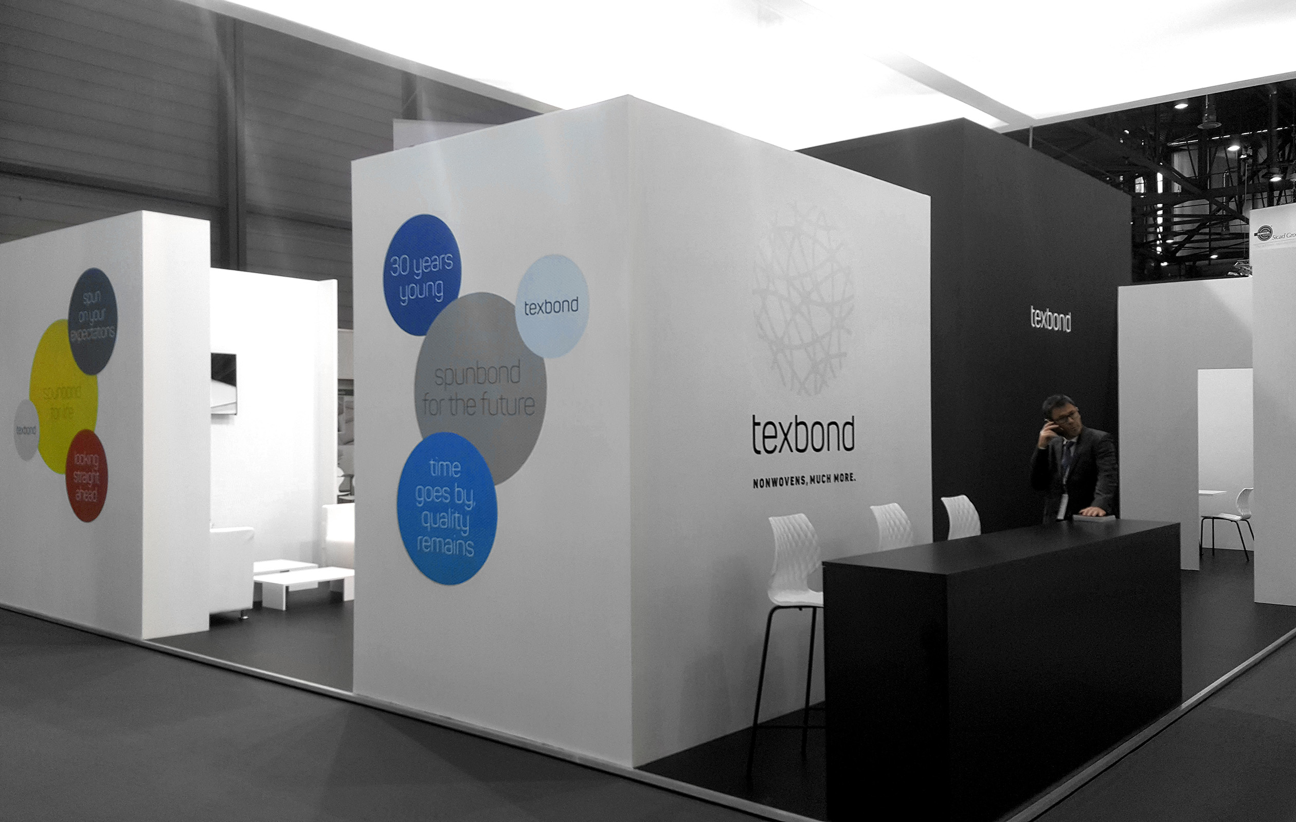 09_stand_texbond_non_wovens_-plus_communications_trento